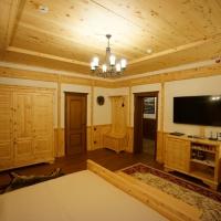 Отделка потолка и стен кедром