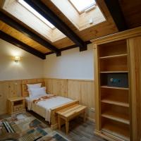Изготовление мебели из кедра в гостиницу